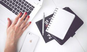 Orde in de chaos, lifehacing, ruimte op je bureau, Myrhe Claus, productief ondernemen, efficient ondernemen