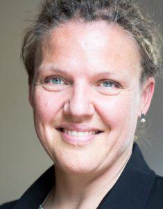 Sandra de Haan Vertelschool Rotterdam portretfoto, watch out World, here she comes!