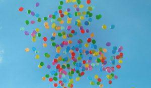 Ingrid van den Broek, loslaten, ballonen in de lucht