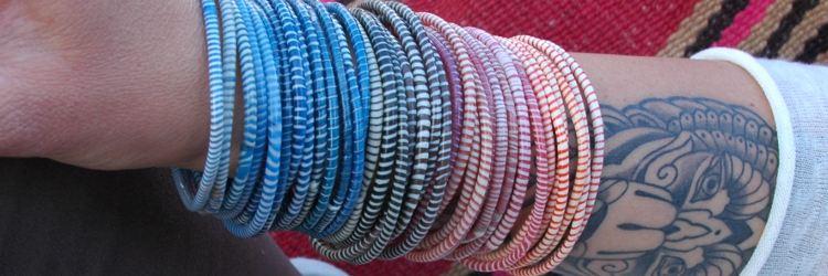Suzanne Mertens van Van Verre: draag de flipfloparmbandjes en draag bij aan het mooie verhaal van de flipflopdames uit Mali