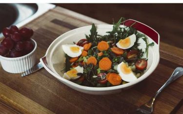 Gezonde voeding is belangrijk voor goed ondernemerschap, groente en fruit, maaltijdshakes van orangefit