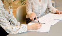 De 7 juridische stappen waar je bij de start van je bedrijf aan moet denken Debby 's-Gravendijk van DSGLegal