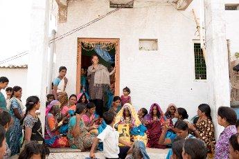 In gesprek emt Jolijn Fiddelaers van IXXcreates en Karigar, India, Indiase ambachtslieden, vakmanschap,