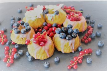 Fruitcakejes Party Fours, Watch out World, here I come met Party Fours van Annemiek Tijlhof