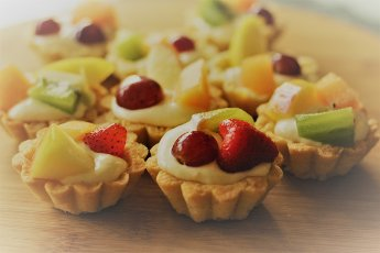 Zandgebakjes met fruit van Party Fours, Annemiek Tijlhof, Watch out World, here she come, Me and my Brand Party Fours