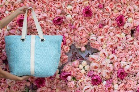 In gesprek met MArtha Wielens van Notadaydream over handgeweven tassen van Filipijnse moeders blu lollipop tas