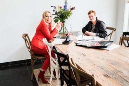 Coby Roerhorst en Mieke van Herk van AbFab Academy bieen webinars aan ter ondersteuning van ondernemers in deze crisistijd